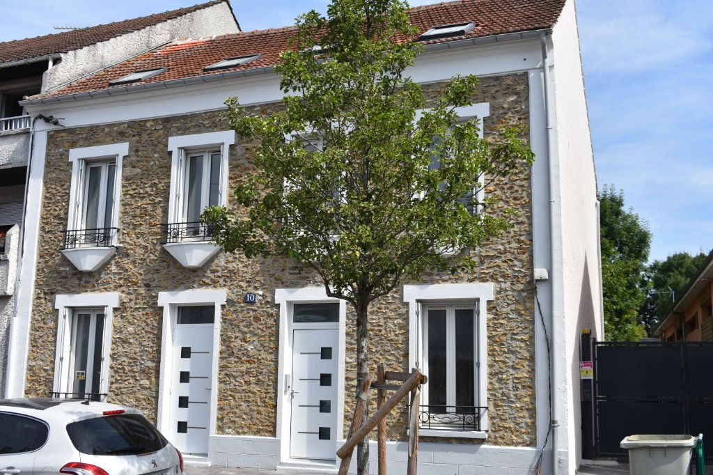 Appartement à louer 2 23m2 à Ozoir-la-Ferrière vignette-2