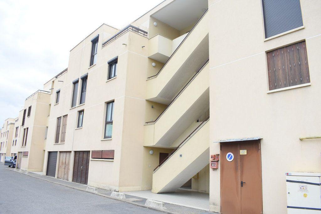Appartement à vendre 3 63m2 à Gretz-Armainvilliers vignette-6