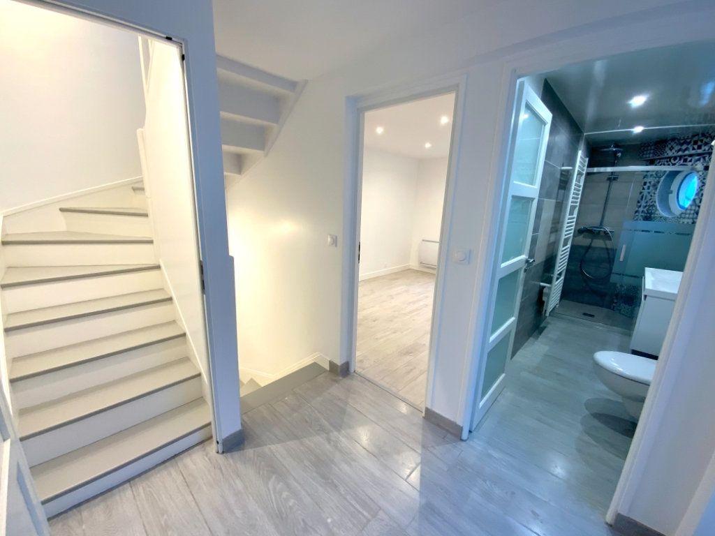 Maison à vendre 5 72.55m2 à Villeneuve-le-Comte vignette-2