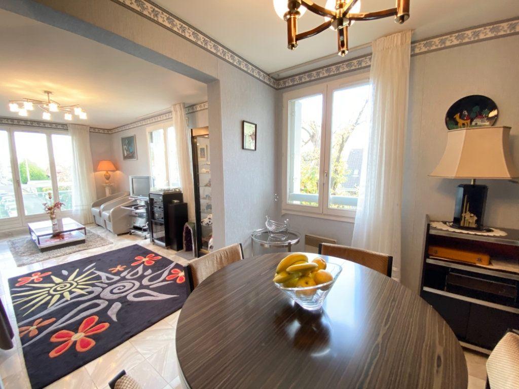 Appartement à vendre 4 72.64m2 à Ozoir-la-Ferrière vignette-3