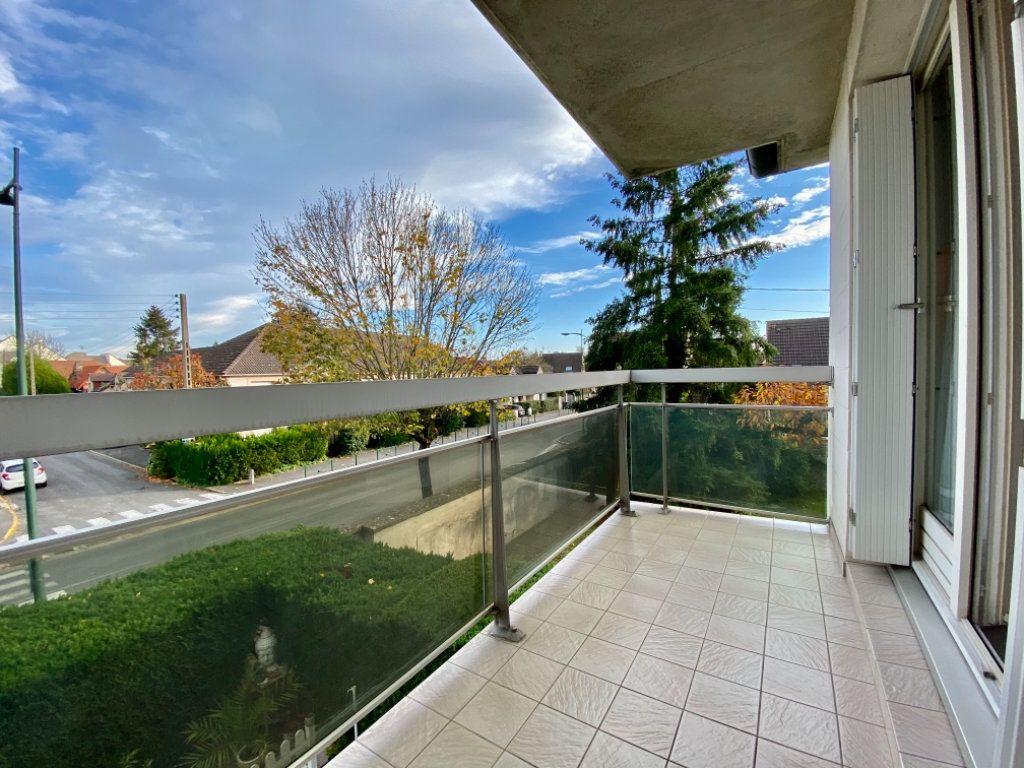 Appartement à vendre 4 72.64m2 à Ozoir-la-Ferrière vignette-4