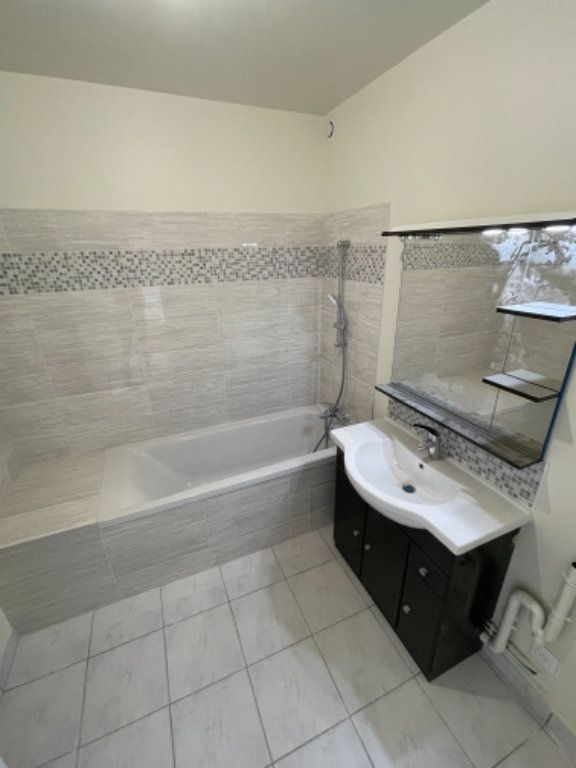 Appartement à vendre 3 50.01m2 à Ozoir-la-Ferrière vignette-5