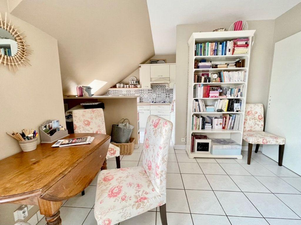 Appartement à vendre 2 38m2 à Roissy-en-Brie vignette-2