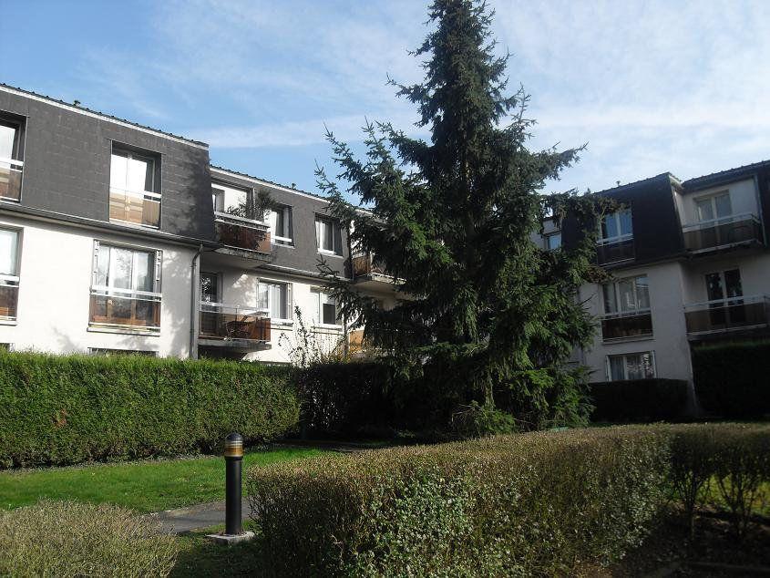 Appartement à louer 1 30.17m2 à Ozoir-la-Ferrière vignette-1