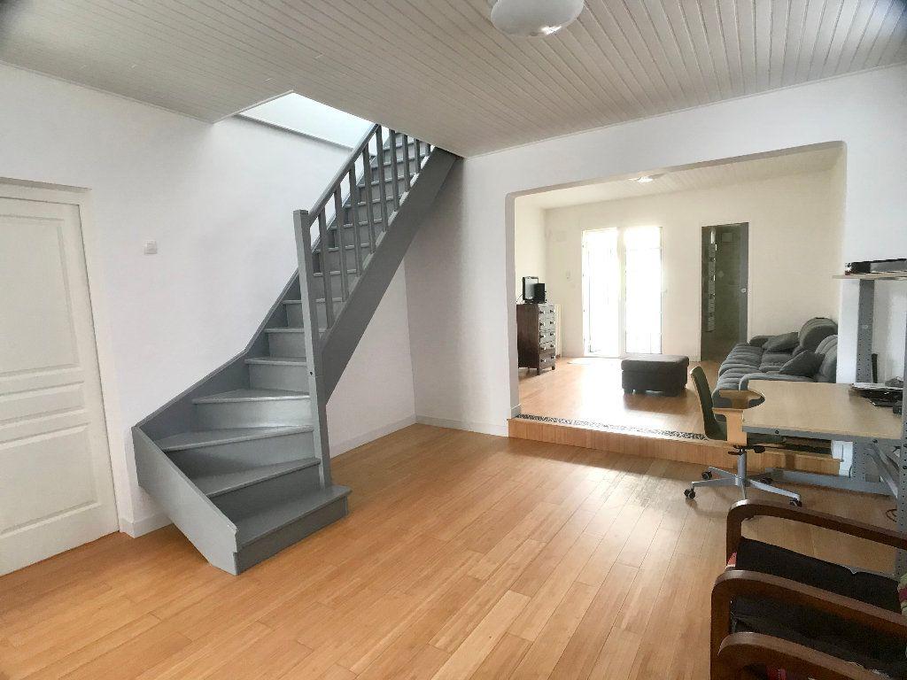 Maison à vendre 5 113.34m2 à Bobigny vignette-6