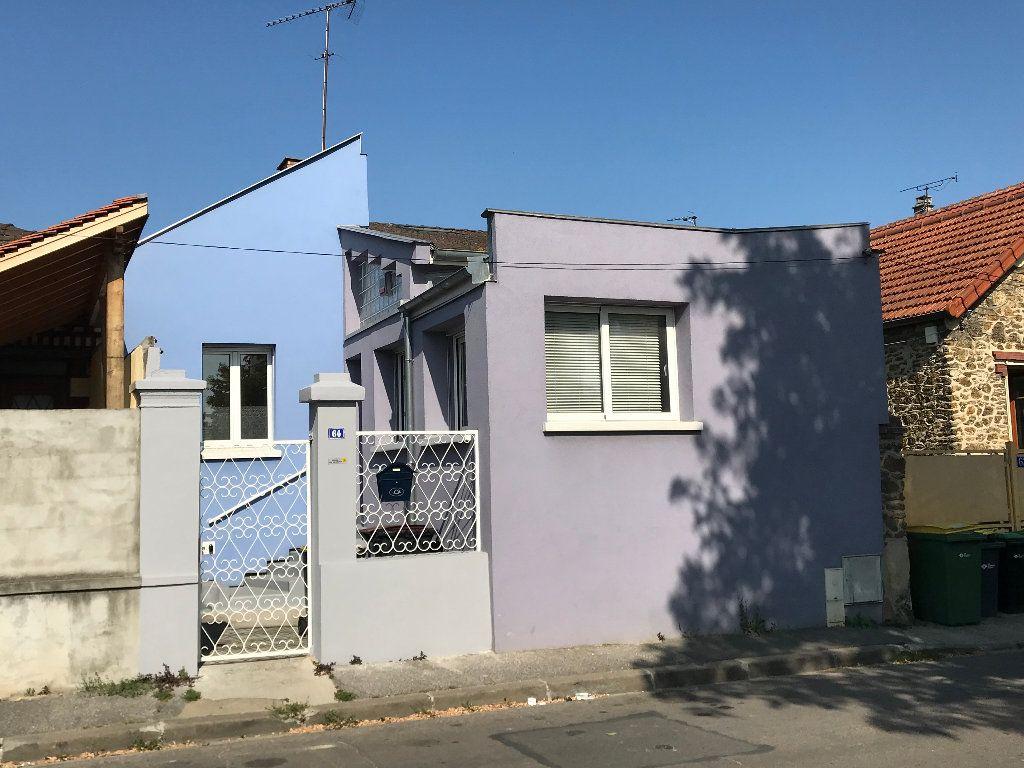 Maison à vendre 5 113.34m2 à Bobigny vignette-9