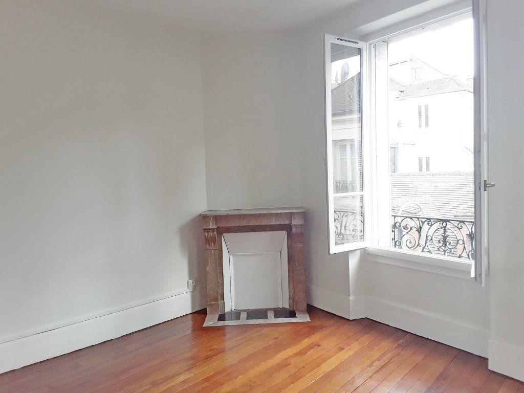 Appartement à louer 3 75m2 à Fontainebleau vignette-6