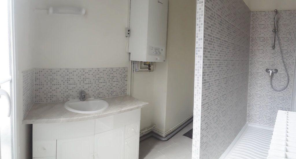 Appartement à louer 3 75m2 à Fontainebleau vignette-7