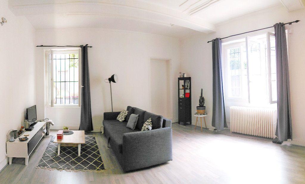 Appartement à louer 1 38m2 à Fontainebleau vignette-1