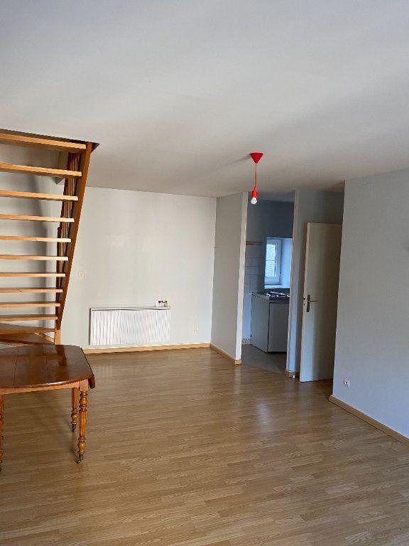 Appartement à louer 2 37m2 à Mamers vignette-1