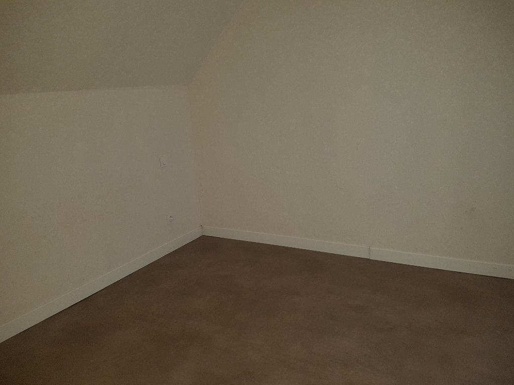 Maison à louer 3 67m2 à Mamers vignette-10