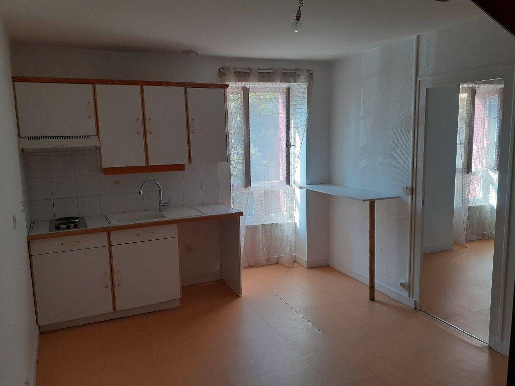 Appartement à louer 3 32.04m2 à Le Croisic vignette-1