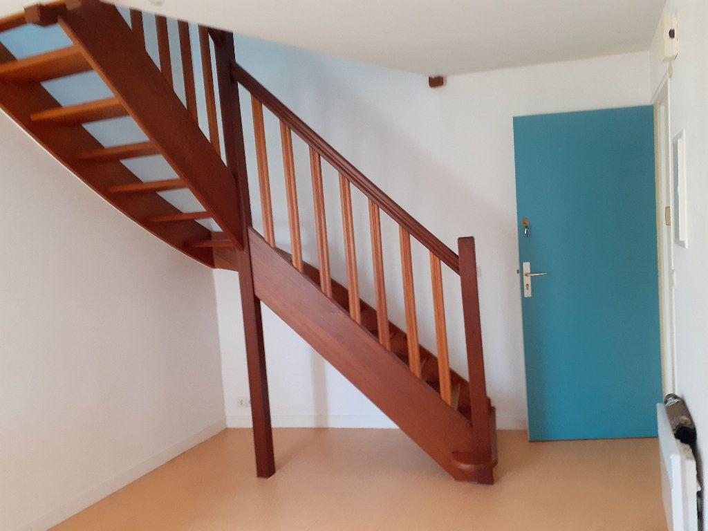 Appartement à louer 3 32.04m2 à Le Croisic vignette-5