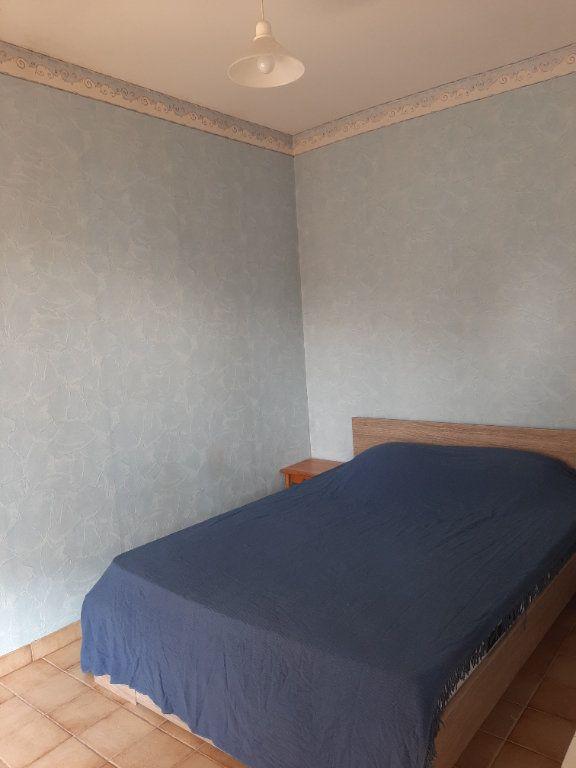 Appartement à louer 2 35m2 à Gréoux-les-Bains vignette-3