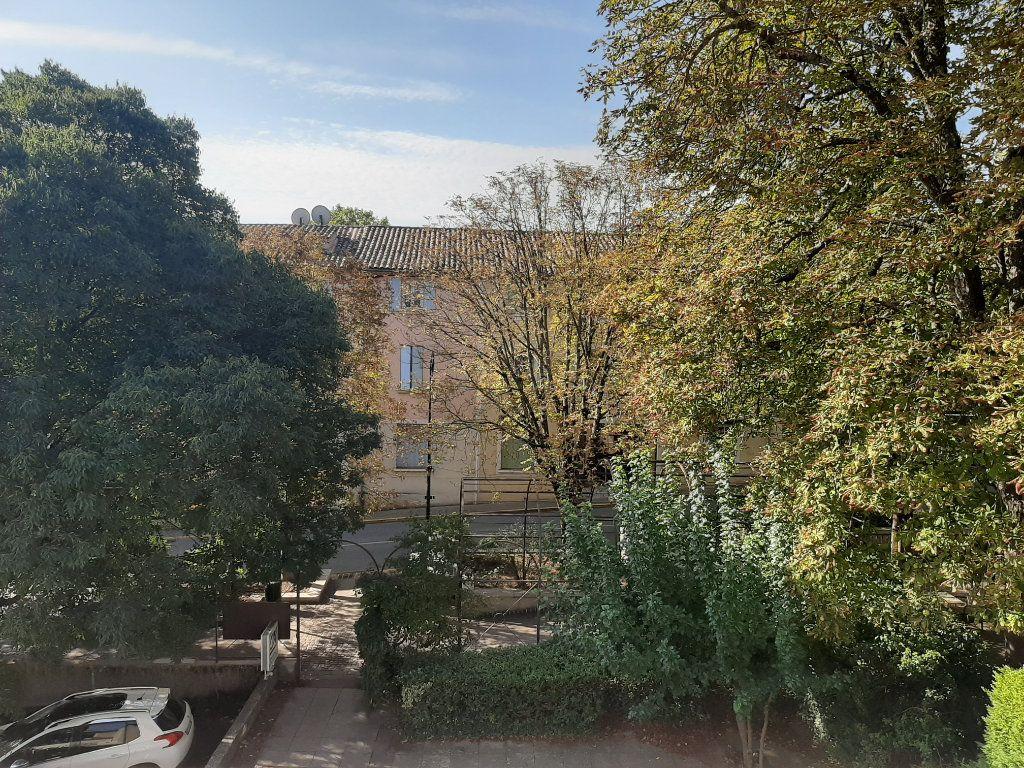 Appartement à louer 2 35m2 à Gréoux-les-Bains vignette-4