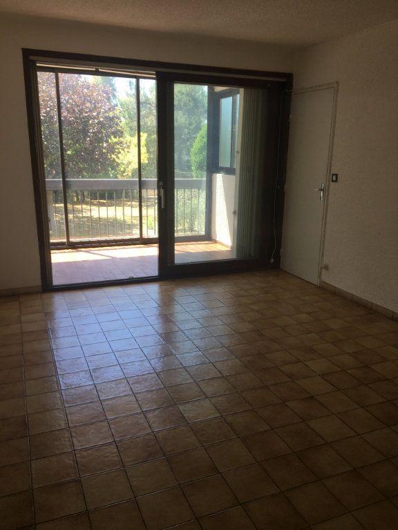 Appartement à louer 2 50m2 à Gréoux-les-Bains vignette-2