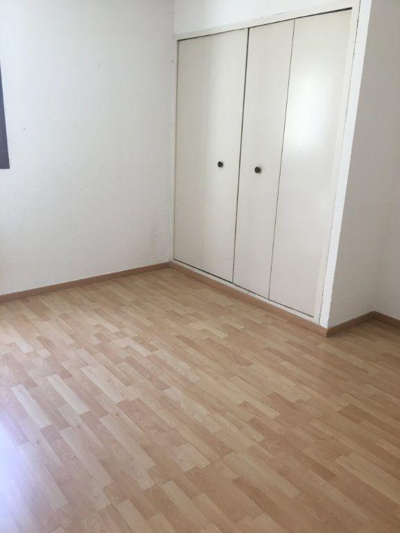 Appartement à louer 2 50m2 à Gréoux-les-Bains vignette-10