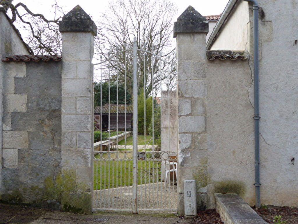 Maison à vendre 6 130m2 à La Rochelle vignette-7