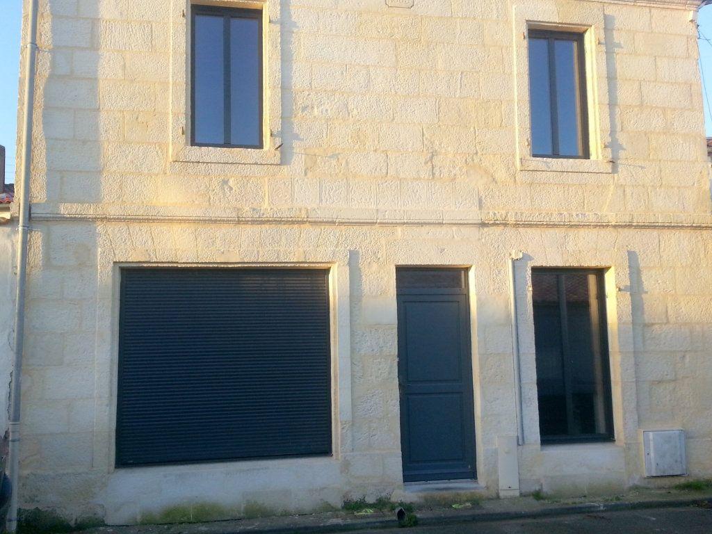 Maison à louer 3 80m2 à La Rochelle vignette-1