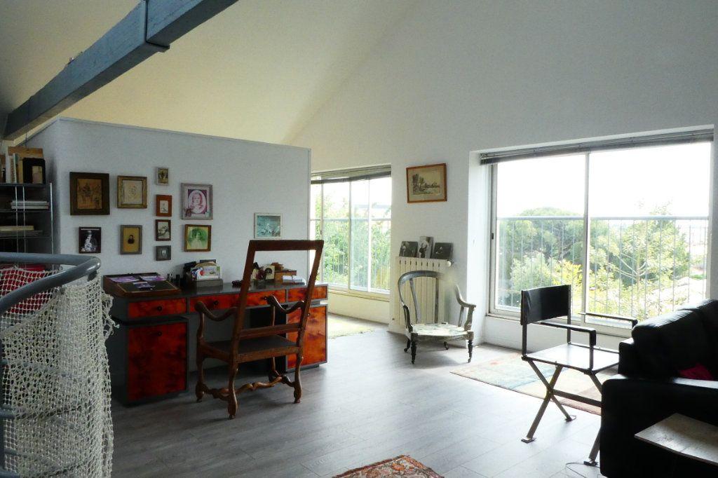 Maison à vendre 5 198m2 à La Rochelle vignette-2
