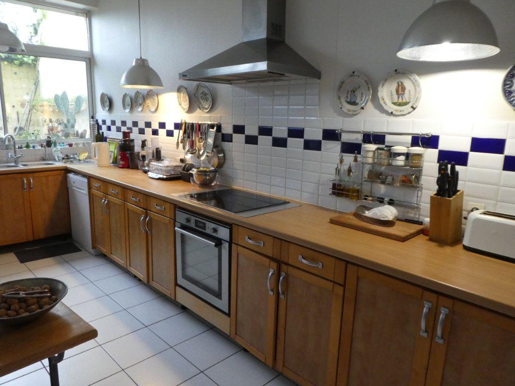Maison à vendre 5 198m2 à La Rochelle vignette-3