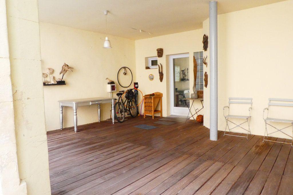 Maison à vendre 5 198m2 à La Rochelle vignette-5