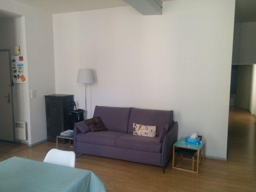 Appartement à louer 2 57.6m2 à La Rochelle vignette-2