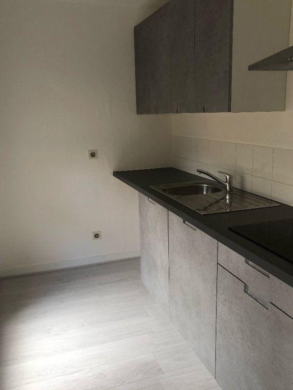 Appartement à louer 2 47m2 à La Rochelle vignette-1