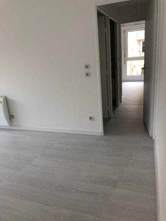 Appartement à louer 2 47m2 à La Rochelle vignette-5