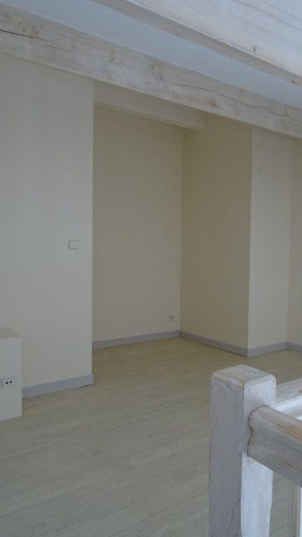 Appartement à louer 2 37.72m2 à La Rochelle vignette-5