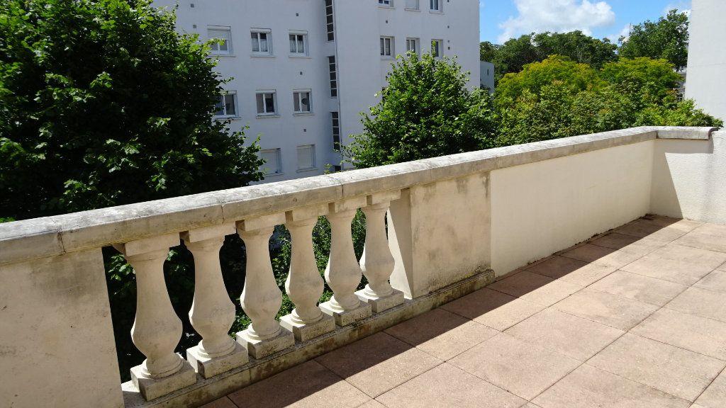 Appartement à louer 2 37.72m2 à La Rochelle vignette-7