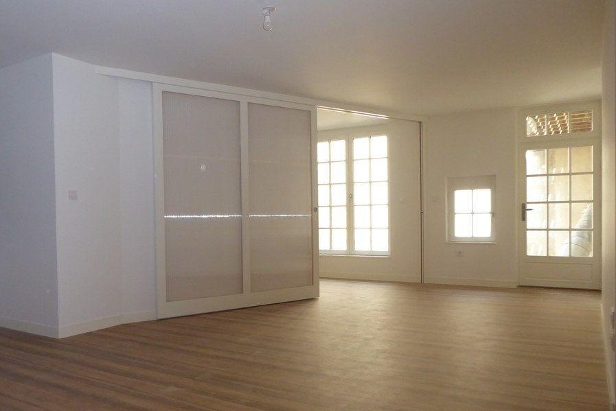 Appartement à vendre 2 56.11m2 à La Rochelle vignette-1