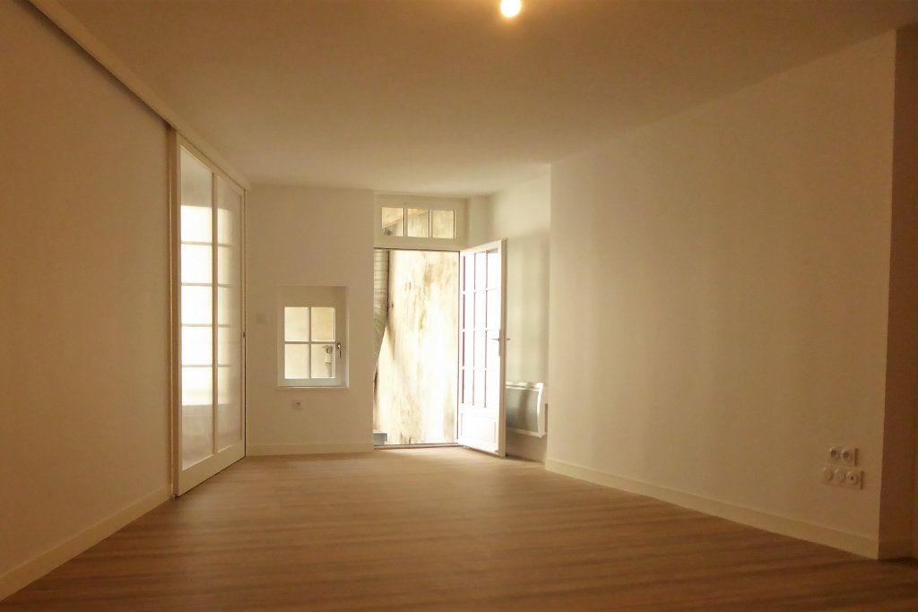 Appartement à vendre 2 56.11m2 à La Rochelle vignette-2