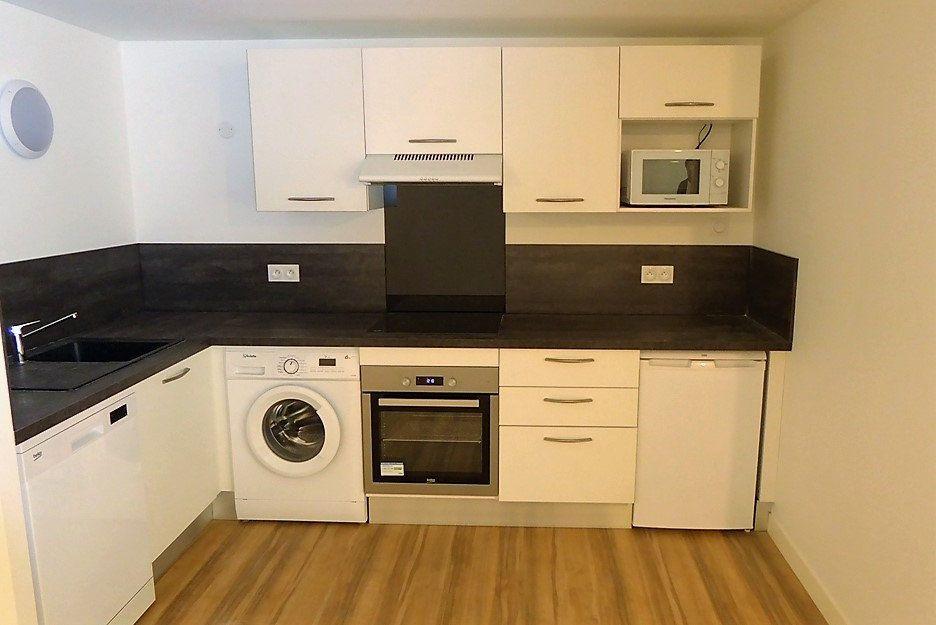 Appartement à vendre 2 56.11m2 à La Rochelle vignette-3