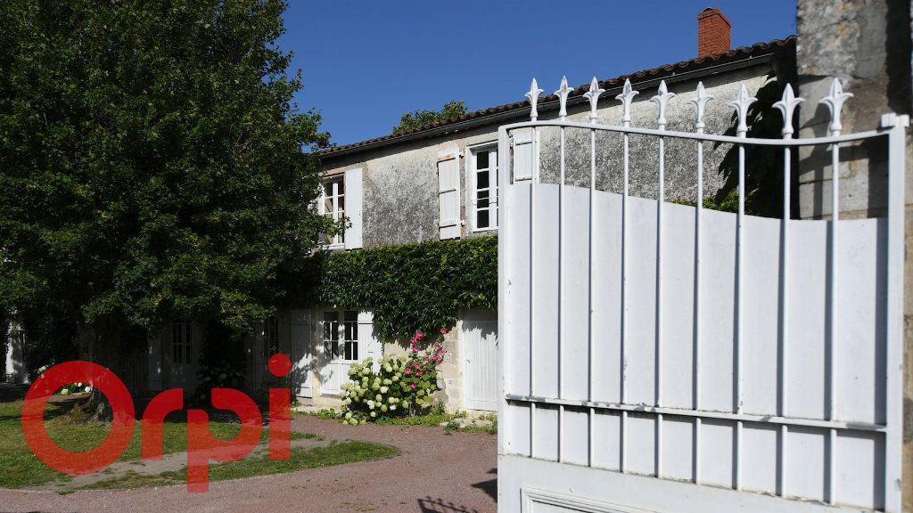 Maison à vendre 5 120m2 à Périgny vignette-4