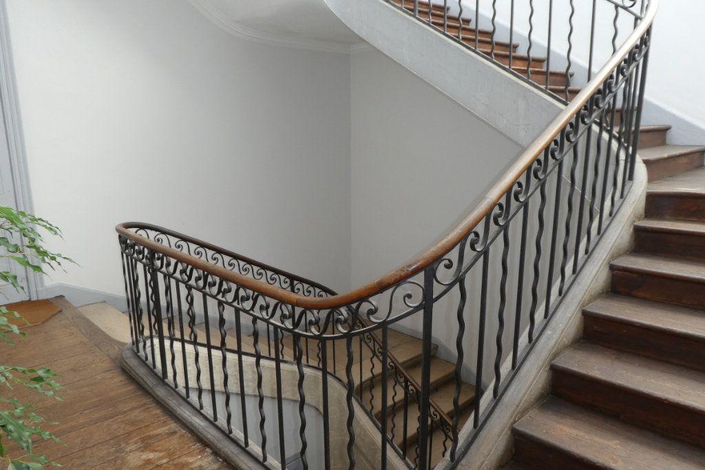 Appartement à vendre 2 68.85m2 à La Rochelle vignette-1