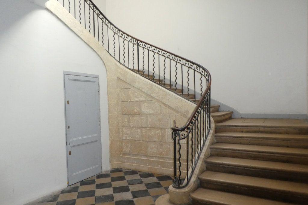 Appartement à vendre 2 68.85m2 à La Rochelle vignette-2