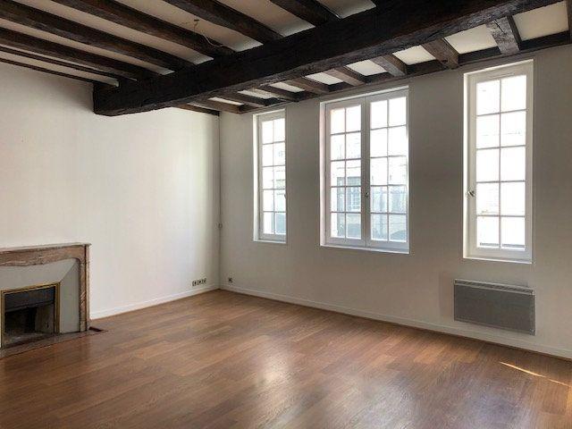 Appartement à vendre 2 60.58m2 à La Rochelle vignette-1