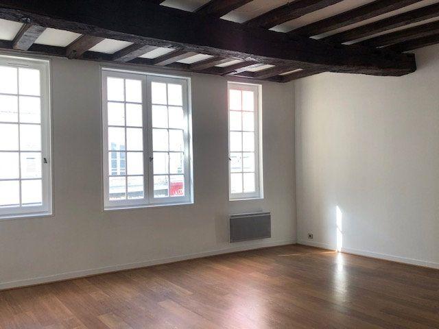 Appartement à vendre 2 60.58m2 à La Rochelle vignette-2