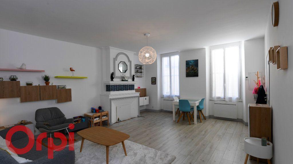 Appartement à vendre 5 85.91m2 à La Rochelle vignette-1