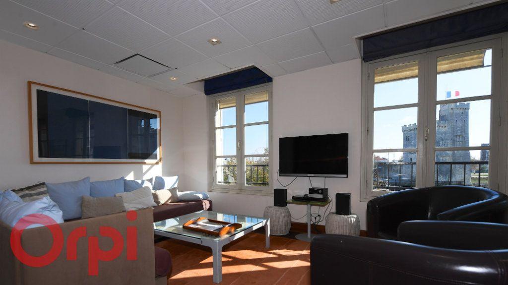 Appartement à vendre 3 77m2 à La Rochelle vignette-2