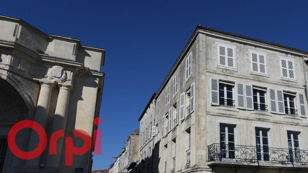 Appartement à vendre 3 77m2 à La Rochelle vignette-4