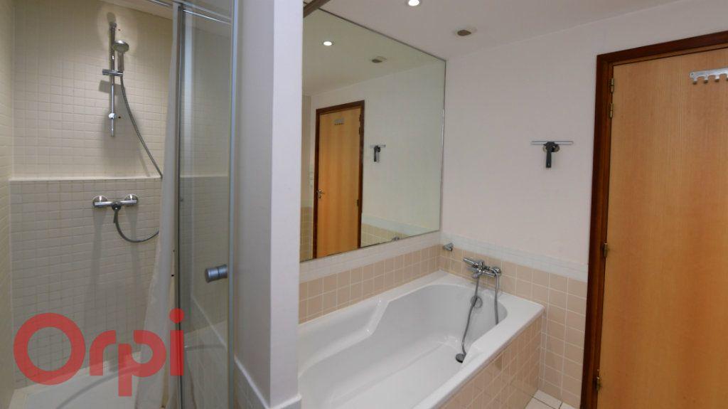 Appartement à vendre 3 77m2 à La Rochelle vignette-6