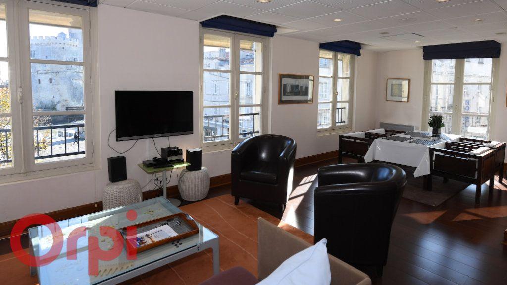 Appartement à vendre 3 77m2 à La Rochelle vignette-11