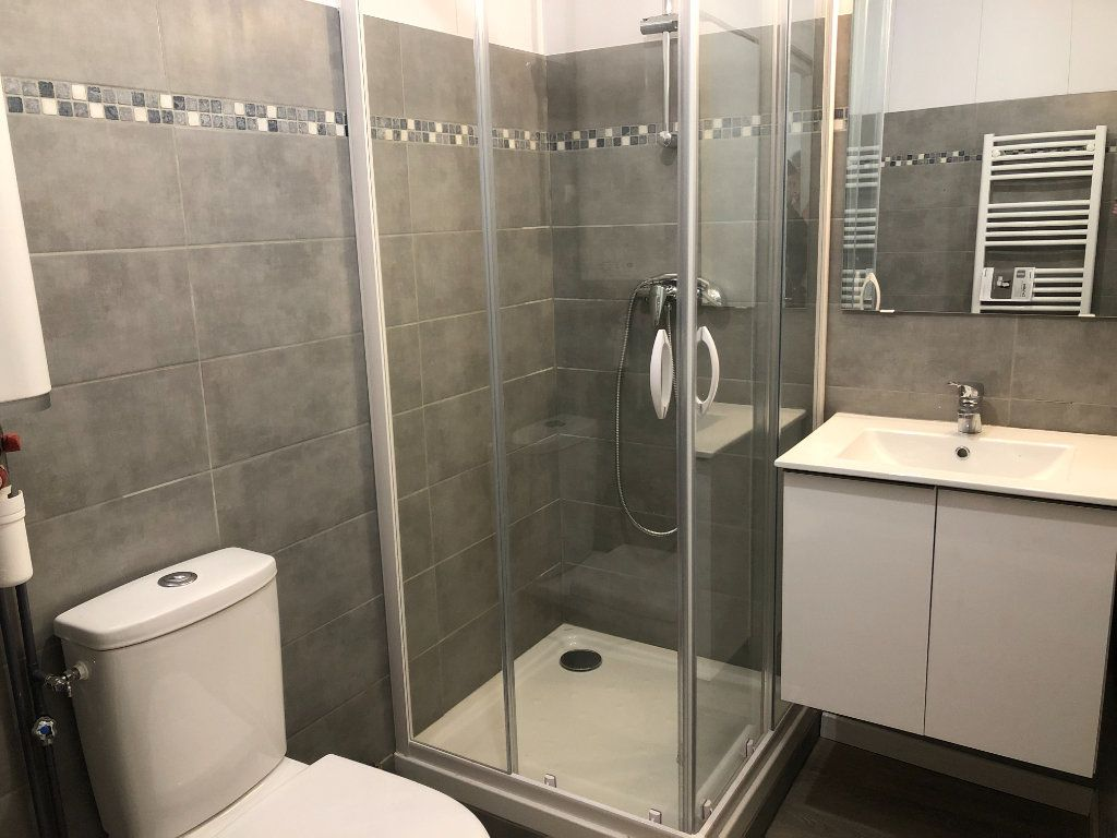 Appartement à louer 2 35m2 à La Rochelle vignette-3