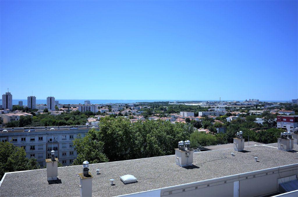 Appartement à vendre 4 98.73m2 à La Rochelle vignette-1