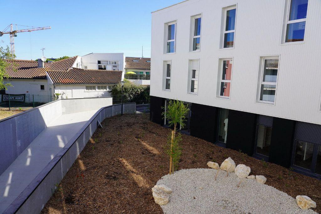 Appartement à vendre 4 83.46m2 à La Rochelle vignette-2