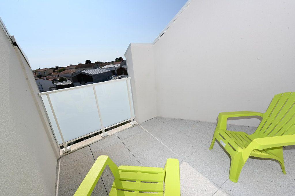 Appartement à vendre 4 83.46m2 à La Rochelle vignette-3
