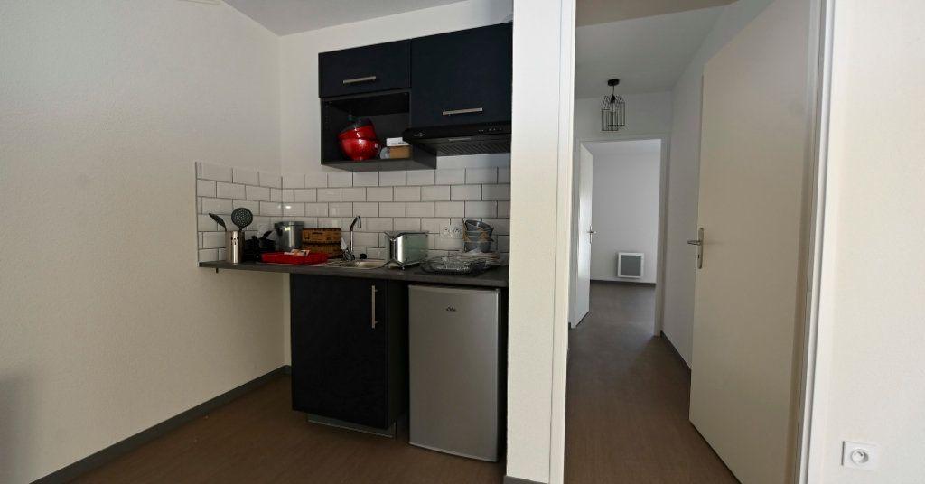 Appartement à vendre 4 83.46m2 à La Rochelle vignette-5