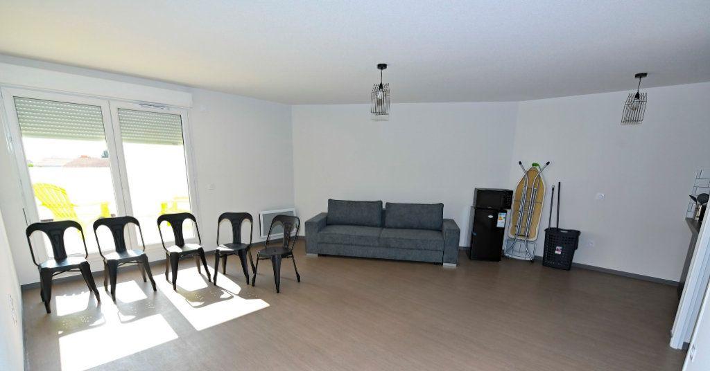 Appartement à vendre 4 83.46m2 à La Rochelle vignette-6
